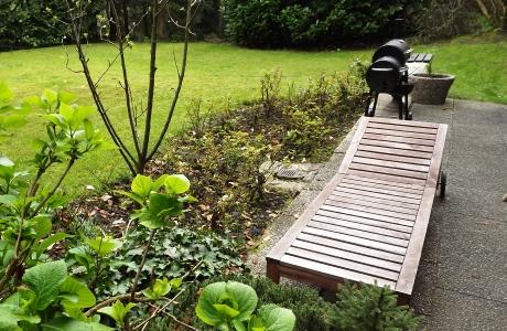 Welche Pflege brauchen Gartenmöbel?