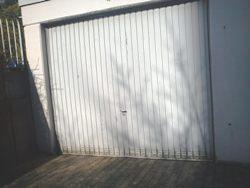 Garagentorantrieb für Fahrzeugeinstand