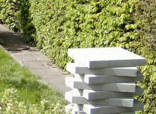 Material für neuen Gartenweg