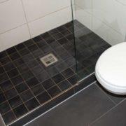 altersgerechtes Badezimmer planen um Sturzgefahr zu reduzieren