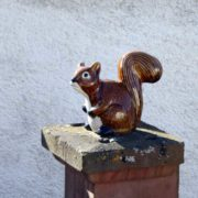 Dekofiguren Garten - Ameise und Eichhörnchen beliebt